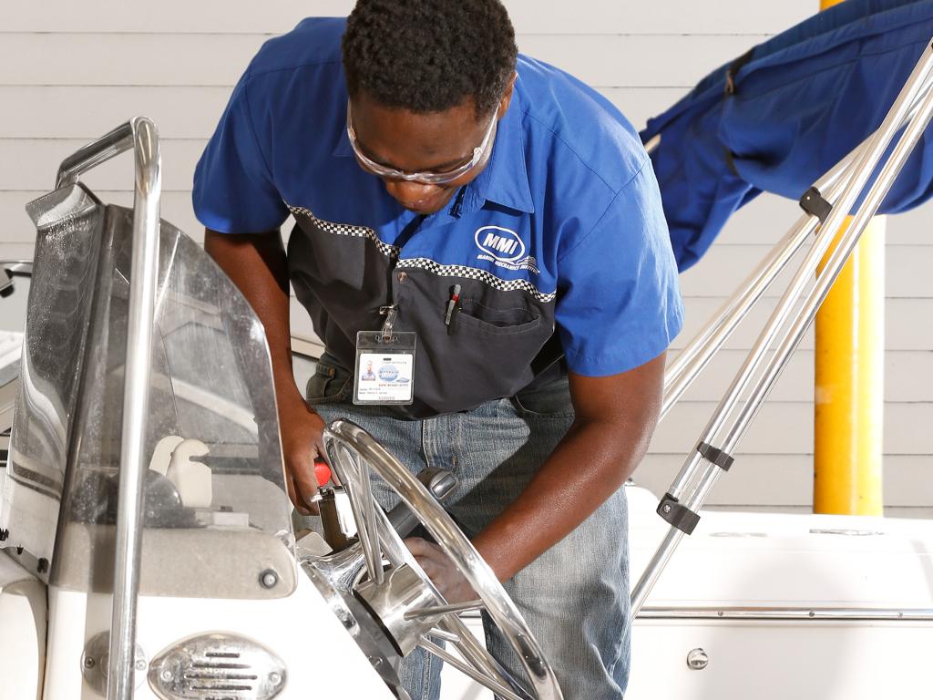 Marine Mechanic Jobs